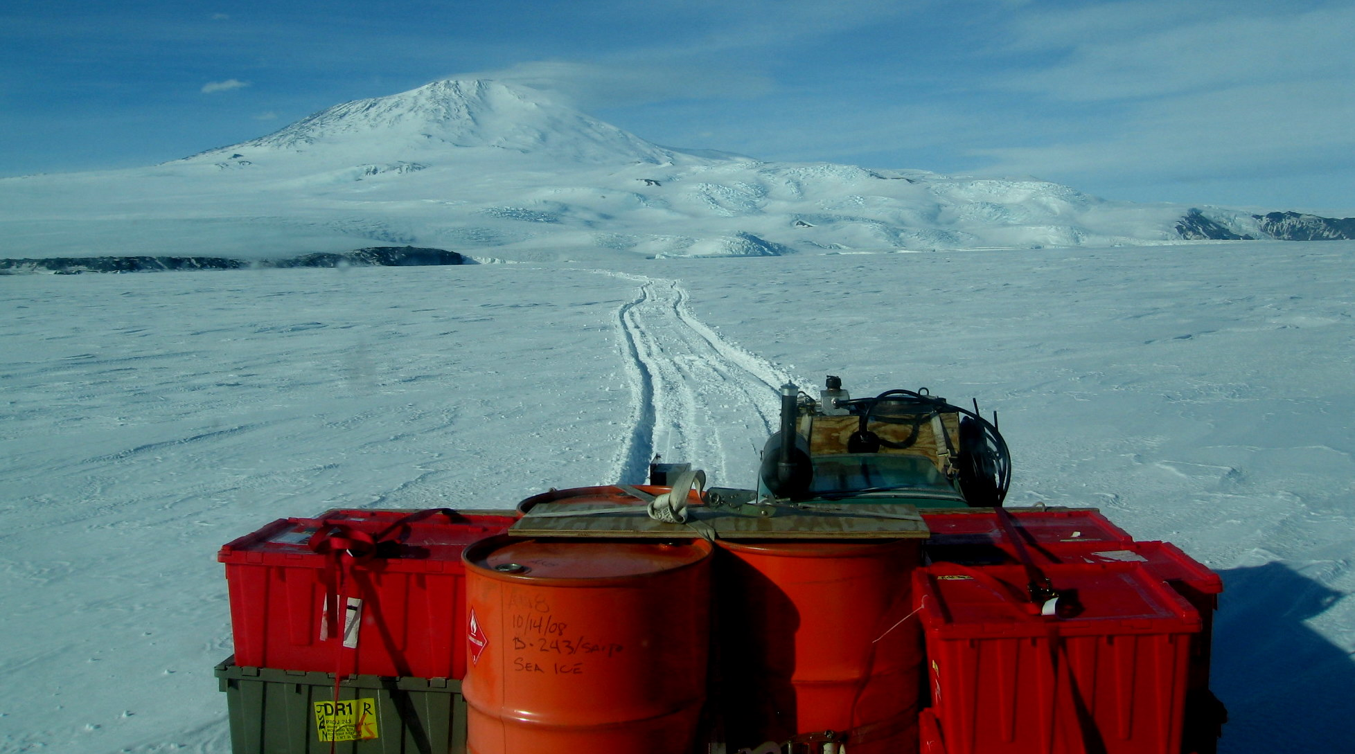 Looking out the rear window as we leave the sea ice road and enter deep snow (Photo: AN)